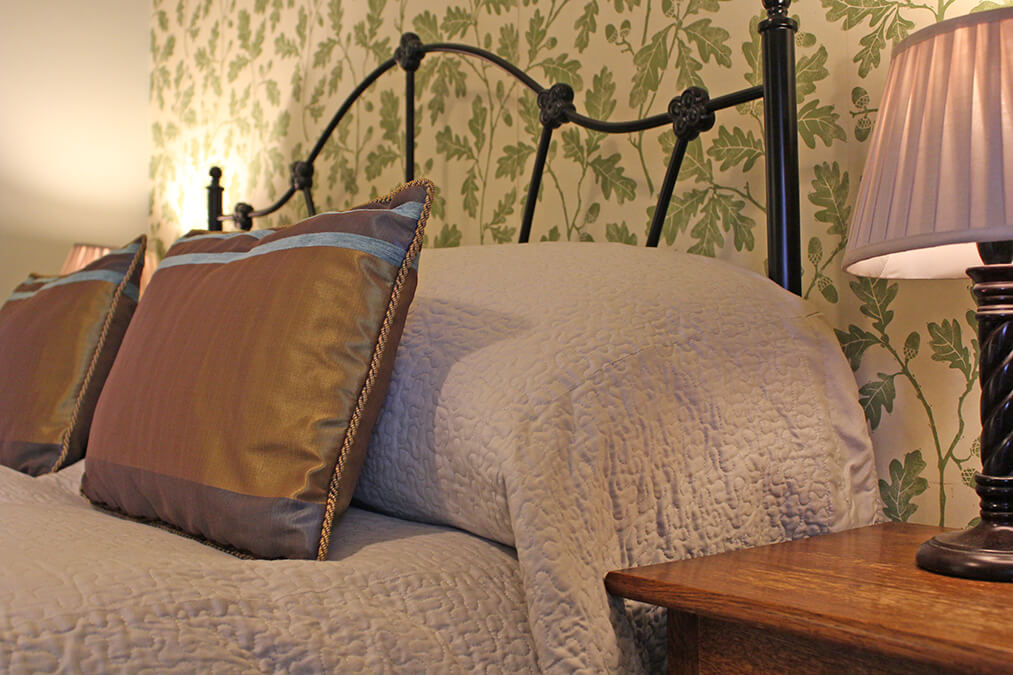 Stay in Tan, a Cosy Double room - dog friendly B&B, bed and breakfast at Tower Bank Arms, Near Sawrey, close to Hawkshead, Ambleside & Windermere.